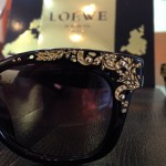 LOEWE gafas de sol y graduado con print barroco negro y oro