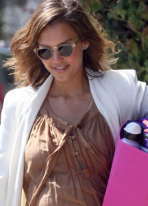 jessica-alba-and-oliver-peoples-sheldrake-sunglasses-gallery
